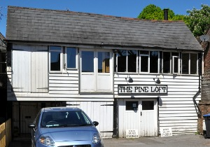 The Pine Loft, Handcross